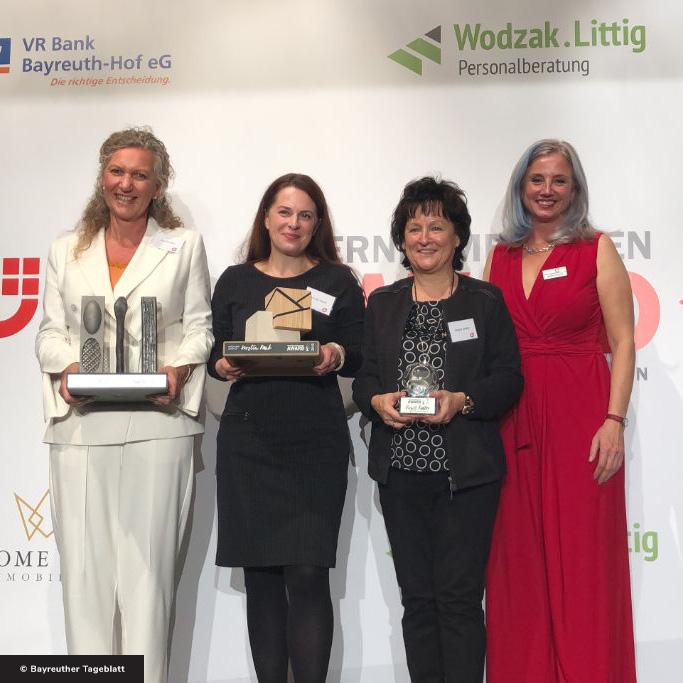Tina Angerer und die Gewinnerinnen des Unternehmerinnen-Awards Oberfranken 2019