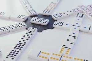 Domino - Unternehmensnachfolge